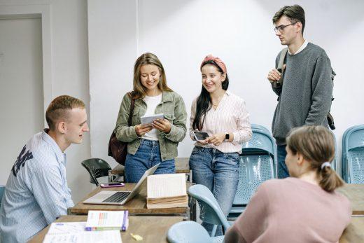 3 principais aplicativos para impulsionar a proatividade do aluno (Foto de Ivan Samkov no Pexels)